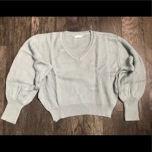 Nice sage Colored cropped V-neck Sweater